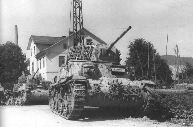 M13/40/M14/41 & M15/42 Light Tanks
